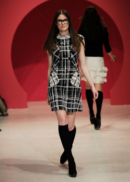 Коллекция модной одежды Douglas Hannant осень 2012. Фото: Fernanda Calfat/Getty Images