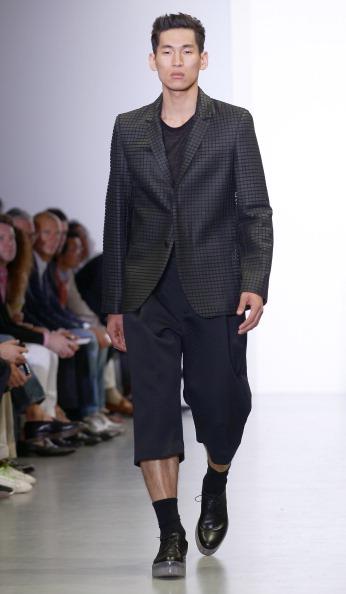 Фоторепортаж. Показ мужской коллекции Calvin Klein Collection на Миланской Неделе моды сезона весна / лето 2012. Фото: Vittorio Zunino Celotto /Getty Images Entertainment
