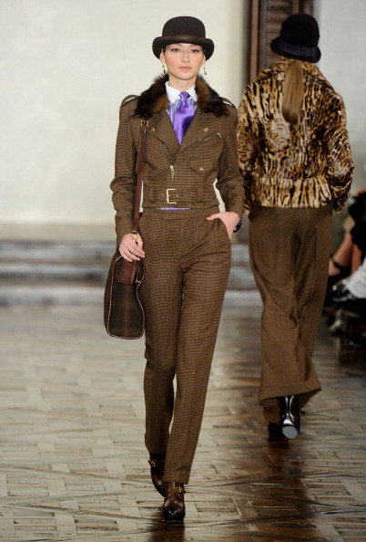 Классика от Ralph Lauren сезона осень 2012 на Mercedes-Benz Fashion Week. Фото:  Frazer Harrison/Getty Images