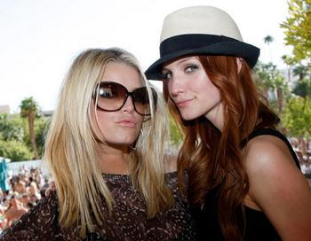 Джессика и Эшли Симпсон. Фото: Ethan Miller/Getty Images