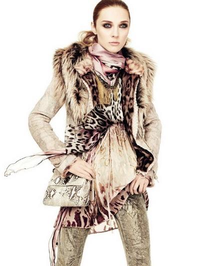Aymeline Valade и Olga Sherer для Roberto Cavalli осень-зима 2011-2012. Фото: abnovki.ru