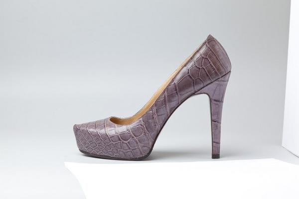Модная обувь и аксессуары от бренда MARINA DE GOLLE. Фото предоставлено Эллиной Тропко