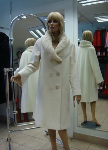 Женское пальто бренда «Ольга». Фото: paltoolga.ru