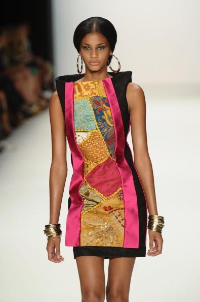 Коллекция Versace, весна-лето 2011. Фото: Vittorio Zunino Celotto/ Getty Images