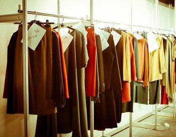 .Распродажа подиумных коллекций в шоу-руме R.E.D. Фото: www.reddesigners.ru