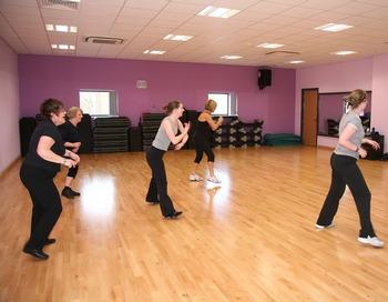 Как похудеть с помощью танцев? Фото: clubhidey.ru
