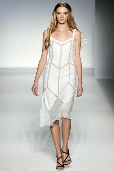 Главные тренды весна-лето 2012 от Alberta Feretti. Фото: fashionwalk.ru