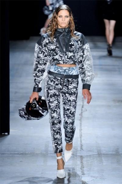 Мода весна-лето 2012: спортивный шик от Alexander Wang. Фото: fashionwalk.ru