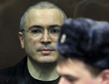Экс-глава ЮКОСа Михаил Ходорковский перед началом оглашения приговора на заседании Хамовнического суда города Москвы. Фото РИА Новости