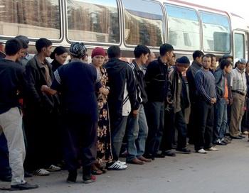 Незаконные трудовые мигранты. Фото РИА Новости
