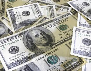 Доллары США. Фото РИА Новости
