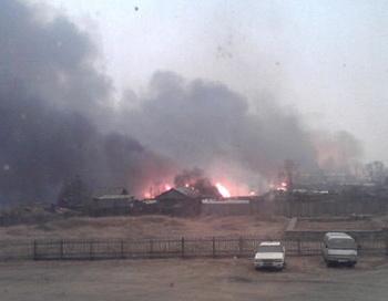 Пожар в поселке Тыгда Магдагачинского района Амурской области. Фото предоставлено ГУ МЧС по Амурской области