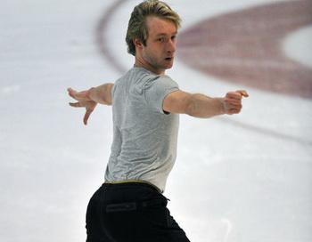 Россиянин Евгений Плющенко. Фото РИА Новости