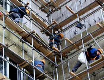 Рабочие на строительной площадке. Фото РИА Новости