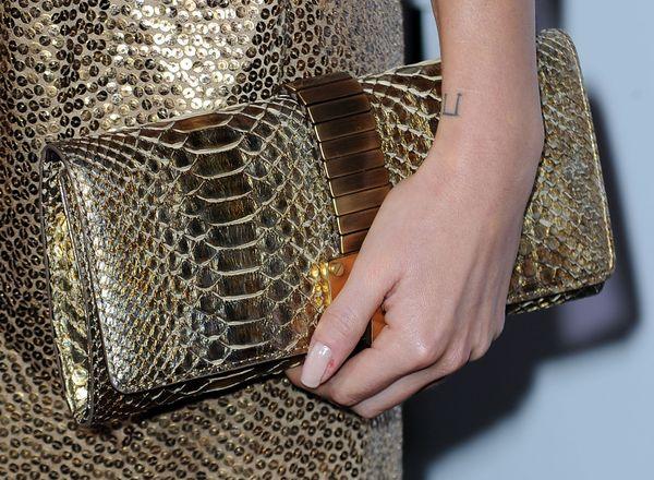 Женские сумки-клатчи. Фото: Frazer Harrison/Getty Images