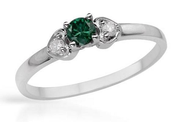 Обручальное кольцо от Gemstor. Фото с сайта gemstor.lv