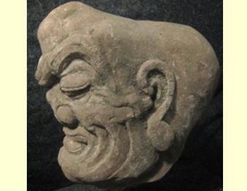 Одна из похищенных статуэток. Фото c сайта Лента.ру