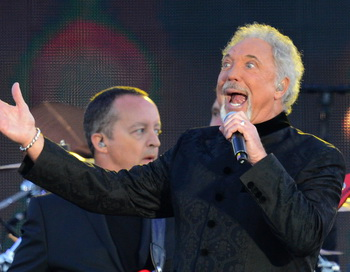 Британский певец Том Джонс. Фото:  LEON NEAL/AFP/GettyImages