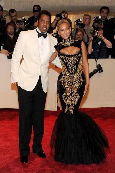 Рэппер Jay-Z и певица Бейонсе в музее Метрополитена в Нью-Йорке 2 мая 2011 года. Фото: Larry Busacca/Getty Images