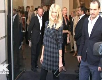 Клаудия Шиффер выпустила коллекцию моды из кашемира. Фото: tikonline.de