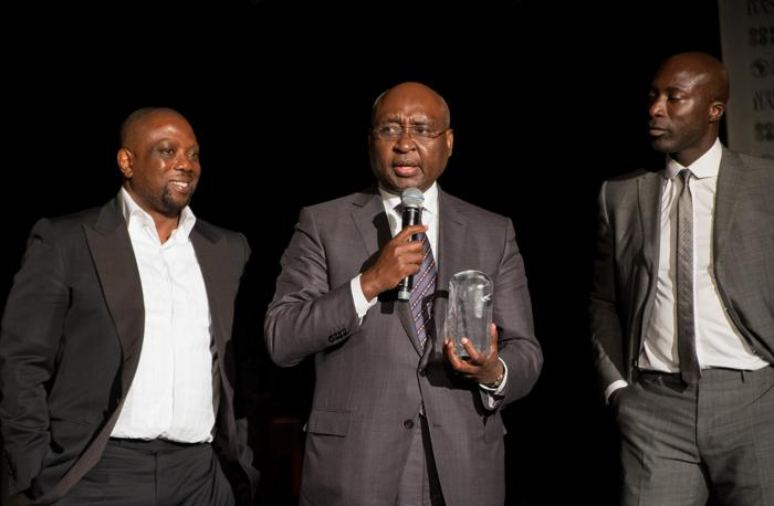 Фонд «Сделано в Африке» вручил пермию Банкир года президенту Африканского банка развития Дональду Каберуку. Фото: Didier Baverel/Getty Images for Made in Africa Foundation