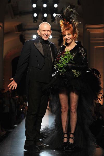 Фоторепортаж. Показ осеннее-зимней коллекции Pascal Le Segretain/Getty Images 2011/2012 на   Неделе Высокой моды в Париже,  Фото:  Pascal Le Segretain/Getty Images