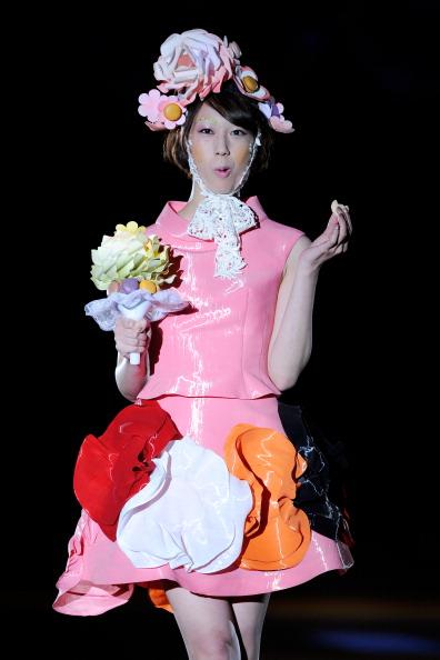 Выставка шляп с букетом из конфет японского кондитера Yoshinori Matsushima, 23 ноября, Токио. Фото: TORU YAMANAKA/AFP/Getty Images