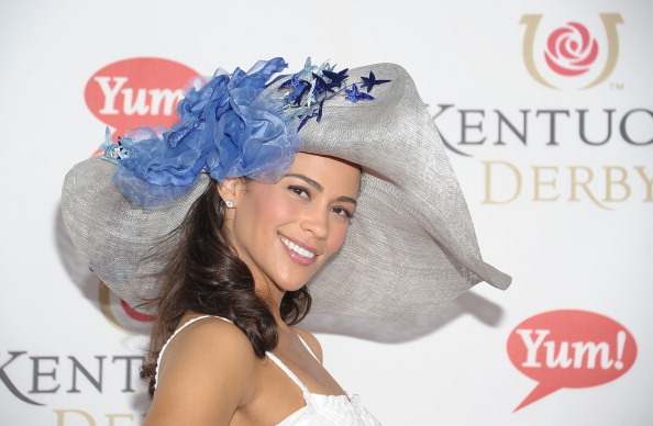 Парад шляпок на Дерби в Черчилль-Даунс 7-9 мая 2011, Луисвилль, штат Кентукки. Фото: Michael Loccisano/Getty Images