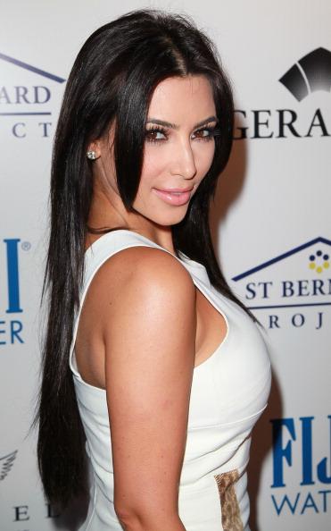 Ким Кардашьян  на благотворительном вечере, 11 мая 2011, Беверли Хиллз, штат Калифорния.  Фото: David Livingston/Getty Images
