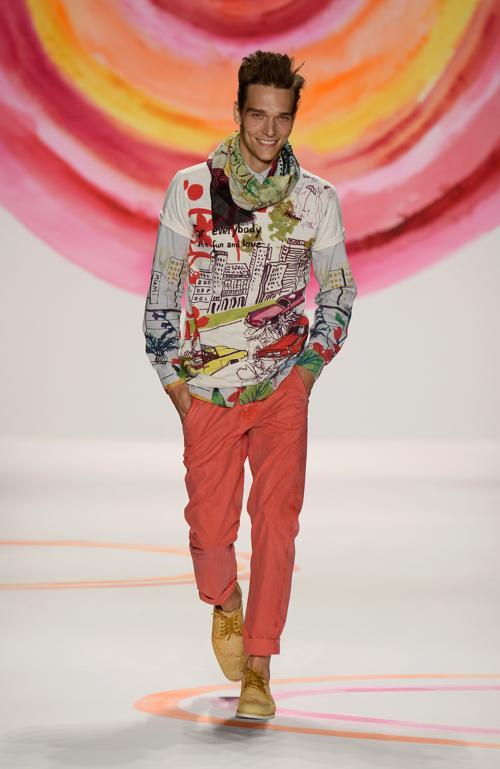 Испанский бренд Desigual представил свою новую коллекцию Весна 2014 года на Неделе моды Mercedes-Benz в театре «Линкольн-центр» 5 сентября 2013 года в Нью-Йорке, США. Фото: Frazer Harrison/Getty Images