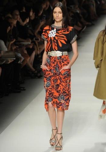 Пояса в весенне-летней коллекции 2013 Etro  на неделе моды в Милане 20 сентября 2013 г.  Фото:  Pier Marco Tacca/Getty Images