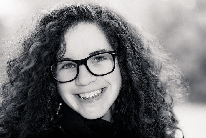 Как выполнить макияж девушкам, носящим очки. Фото: Stefan Neuweger/flickr.com