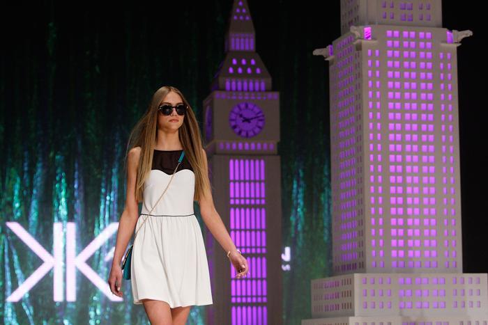 Вчера, 23 августа 2013 года, три сестры Кардашьян: Ким, Кортни и Хлое, представили новую линию одежды и аксессуаров Kardashian Kollection на Фестивале моды Mercedes-Benz 2013 в Сиднее, Австралия. Фото: Lisa Maree Williams/Getty Images