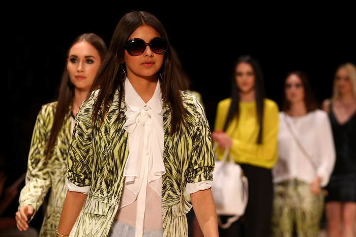 Вчера, 23 августа 2013 года, три сестры Кардашьян: Ким, Кортни и Хлое, представили новую линию одежды и аксессуаров Kardashian Kollection на Фестивале моды Mercedes-Benz 2013 в Сиднее, Австралия. Фото: Mark Nolan/Getty Images
