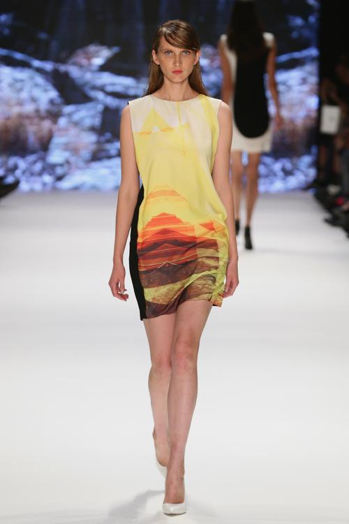 Известный турецкий дизайнер Гюнсели Тюркай (Gunseli Turkay) в рамках Недели моды Mercedes-Benz в Стамбуле 9 октября 2013 года представила свою новую коллекцию стильной женской одежды сезона весна-лето 2014. Фото: Vittorio Zunino Celotto/Getty Images for IMG