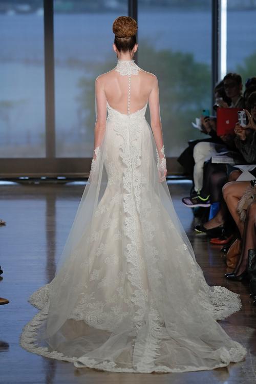 Итальянская дизайнер Инес Ди Санто представила 13 октября 2013 года на нью-йоркской неделе свадебной моды свою новую коллекцию платьев сезона осень 2014. Фото: Randy Brooke/Getty Images