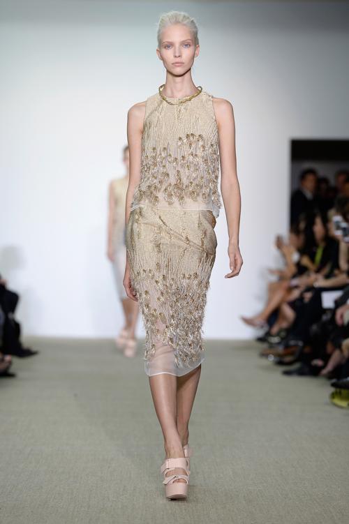 Модный французский дизайнер итальянского происхождения Джамбаттиста Валли принял участие в показе весна-лето 2014 на Неделе моды в Париже 30 сентября 2013 года с новой женской коллекцией. Фото: Pascal Le Segretain/Getty Images