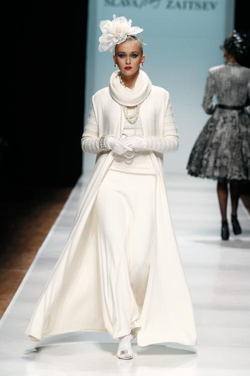 Вячеслав Зайцев представил 31 октября 2013 года кутюрную коллекцию женских и мужских нарядов, закрыв своим показом российскую Неделю моды в Москве.Фото: Andreas Rentz/Getty Images for Mercedes-Benz Fashion Week Russia
