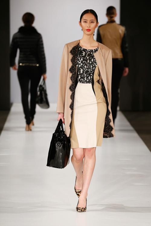 Популярный немецкий бренд одежды Basler провёл показ коллекции женской одежды 1 февраля в городе Дюссельдорф (Германия). Фото: Andreas Rentz/Getty Images for Basler