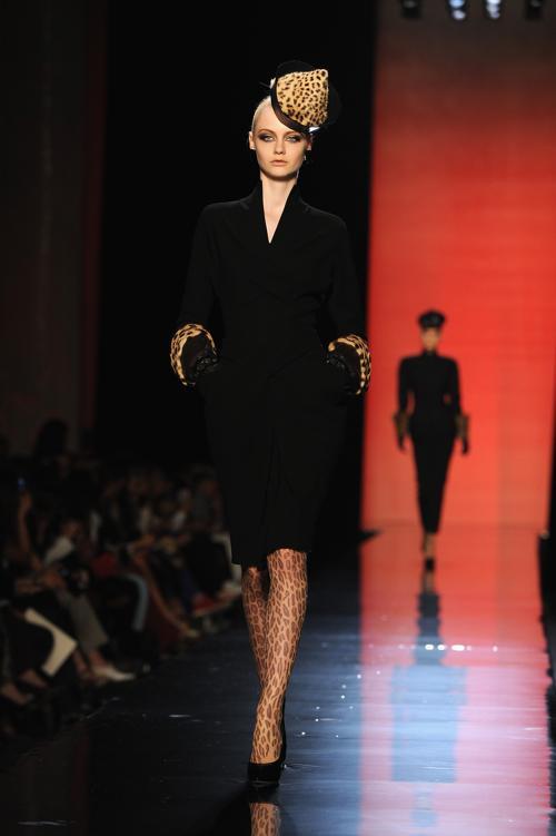 Жан-Поль Готье представил новую женскую коллекцию Jean Paul Gaultier  осень-зима 2013/2014 на неделе высокой моды в Париже 3 июля 2013 года. Фото: Pascal Le Segretain/Getty Images