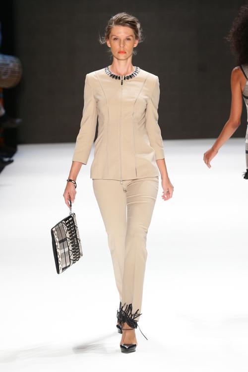 Всемирно известный турецкий бренд Gizia, специализирующийся на роскошных изделиях из качественных материалов, представил новую коллекцию s/s 2014, открыв Неделю моды в Стамбуле 7 октября 2013 года. Фото: Vittorio Zunino Celotto/Getty Images for IMG