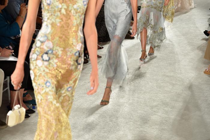 Известный бренд «Марчеза», основанный двумя американскими дизайнерами, представил новую коллекцию роскошных вечерних платьев и аксессуаров Marchesa сезона весна-2014 на нью-йоркской Неделе моды 11 сентября 2013 года. Фото: Slaven Vlasic/Getty Images