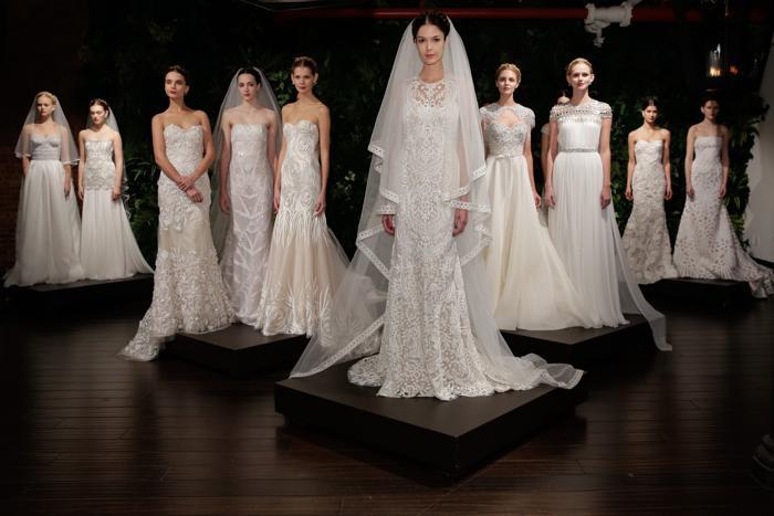 Известный восточный кутюрье, родом из Мумбаи, Наим Хан представил 12 октября 2013 года новую коллекцию платьев Naeem Khan осень-зима 2014 на нью-йоркской Неделе свадебной моды. Фото: JP Yim / Getty Images