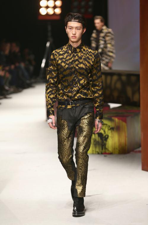Роберто Кавалли представил модную коллекцию мужской одежды Roberto Cavalli осенне-зимнего сезона 2014/2015 в Милане 14 января. Фото: Vittorio Zunino Celotto/Getty Images