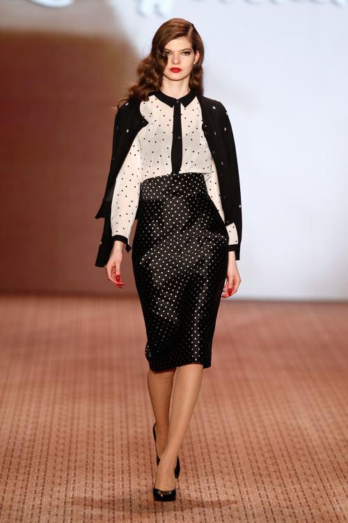 Лена Хошек представила на берлинской Неделе моды 14 января 2014 года новую коллекцию стильных платьев Lena Hoschek 2014/2015. Фото: Peter Michael Dills/Getty Images for IMG