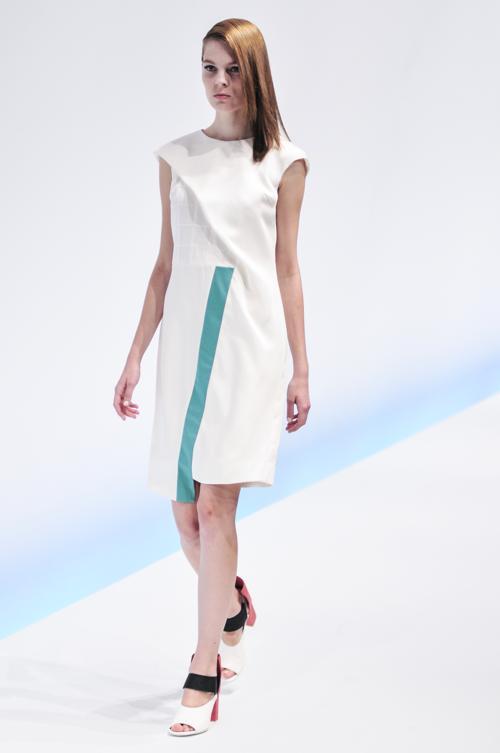 Японский дизайнер Ясутоши Езуми, за несколько лет карьеры успевший поработать с Александром Маккуином и основавший собственный бренд Yasutoshi Ezumi в 2010 году, представил на Неделе моды в Токио коллекцию s/s 2014. Фото: Keith Tsuji/Getty Images