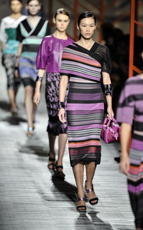 Итальянский дом моды Missoni представил новую коллекцию в восточном стиле 14 октября 2013 года в Токио на японской Неделе моды S/S 2014. Фото: Keith Tsuji/Getty Images