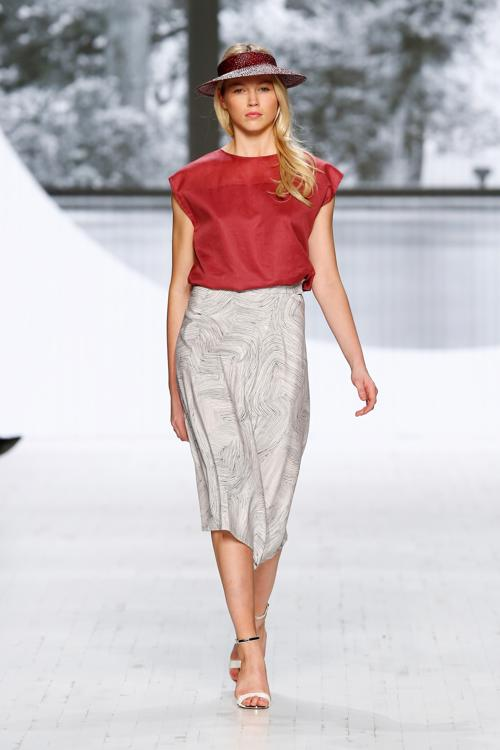 Немецкий бренд одежды Perret Schaad представил 16 ноября 2013 года на швейцарской Неделе моды в Цюрихе последнюю коллекцию 2014 года. Фото: Andreas Rentz/Getty Images