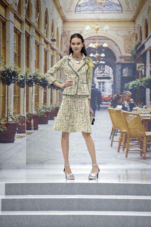Известный японский дизайнер Юки Тори представила новую линию одежды YUKI TORII INTERNATIONAL 2014 года на токийской неделе моды 17 октября 2013 года. Фото: Keith Tsuji/Getty Images