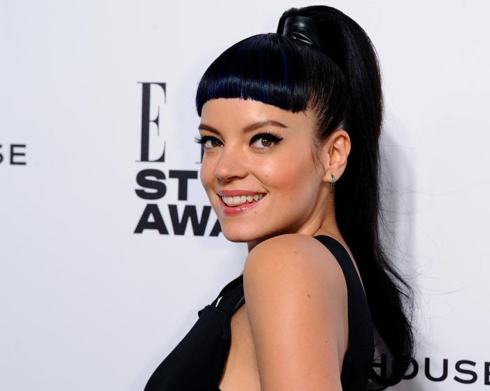 Лили Аллен продемонстрировала модную причёску 18 февраля 2014 года на церемонии вручения премии Elle в Лондоне. Фото: Anthony Harvey/Getty Images
